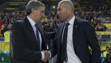 Photo of ريال مدريد ضد برشلونة ( الكلاسيكو ) … على الجانب الآخر مواجهة كبيرة بين زيدان وسيتين!!