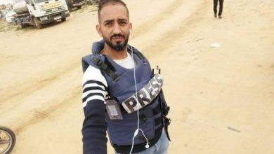 Photo of الاحتلال يعتقل صحفياً على حاجز بيت حانون أثناء عودته من العلاج في الأردن