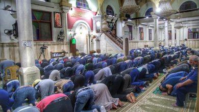 Photo of بعد إغلاق 70 يوماً  مئات الآلاف يصلون الفجر في مساجد الضفة