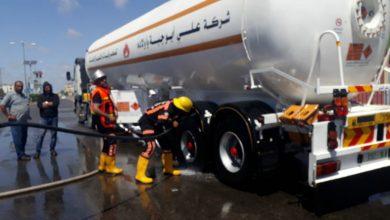 "Photo of ""الدفاع المدني"": يسيطر على حريق اندلع بشاحنة لنقل الغاز جنوب القطاع"