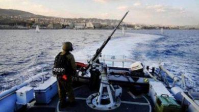Photo of الزوارق الحربية تستهدف مراكب الصيادين في عرض منطقة الواحة
