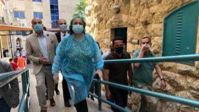 Photo of وزيرة الصحة: إجراءات بعد تسجيل إصابة لطبيب بمجمع فلسطين الطبي