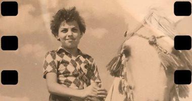 Photo of طارق العريان ينشر صورة في فترة طفولته على حصان.. ويعلق: بداية العبقرية