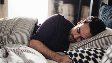 Photo of هل تبحث عن الراحة و النوم سريعا؟.. إليك 10 طرق مدعومة علميا
