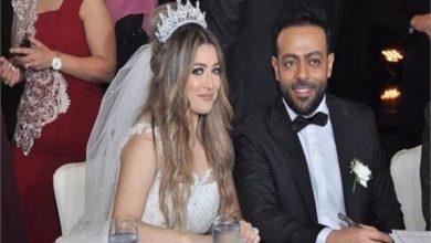 Photo of زوجة تامر عاشور تصر على الطلاق