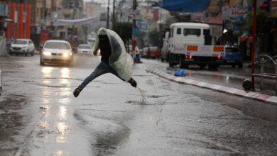 Photo of الطقس: استمرار تأثير المنخفض الجوي وهطولات كثيفة للأمطار