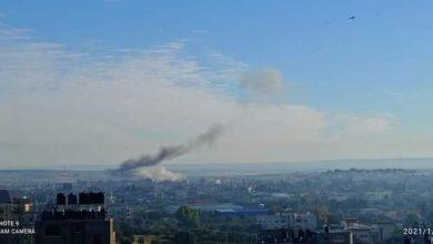 Photo of انفجار عرضي بأحد المنازل وذلك شمال القطاع ونقل عدد من الإصابات في هذه اللحظات.