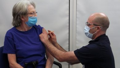 Photo of Coronavirus: Vaccine chief 'optimistic' about over-50s May target